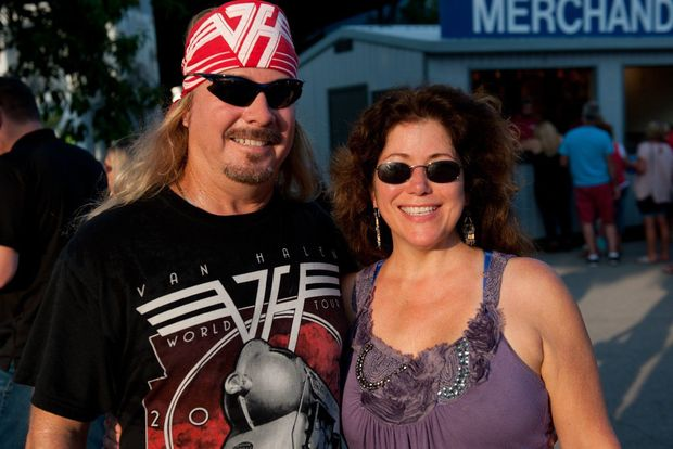 Van_Halen_St_Louis_fans_51